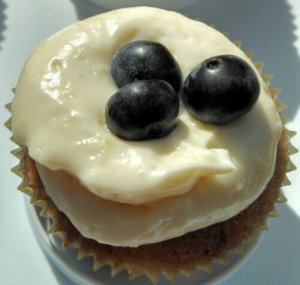 Lemonade-Berry Cupcakes